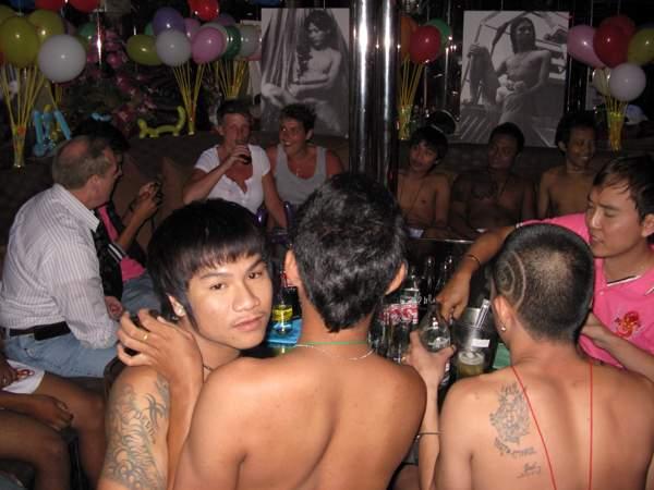 from Ignacio look gay bar sunee plaza