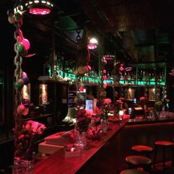 Toms Saloon