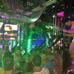 gay barcelona night bar at platabar