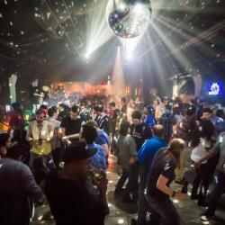 V Nightclub & Lounge