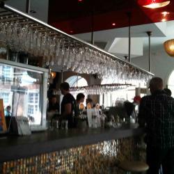 Oscar Bar Café