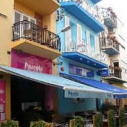 Parrots Hotel