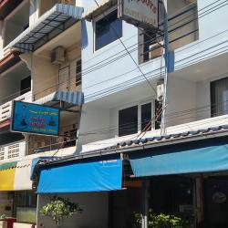 Two Guys Guesthouse & Restaurant