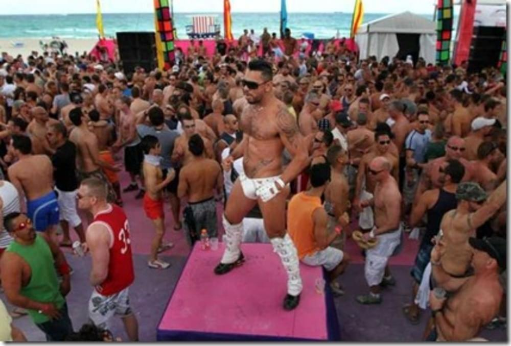 12th Street Gay Beach