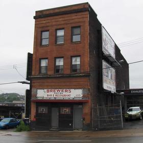 Brewer's Hotel Bar
